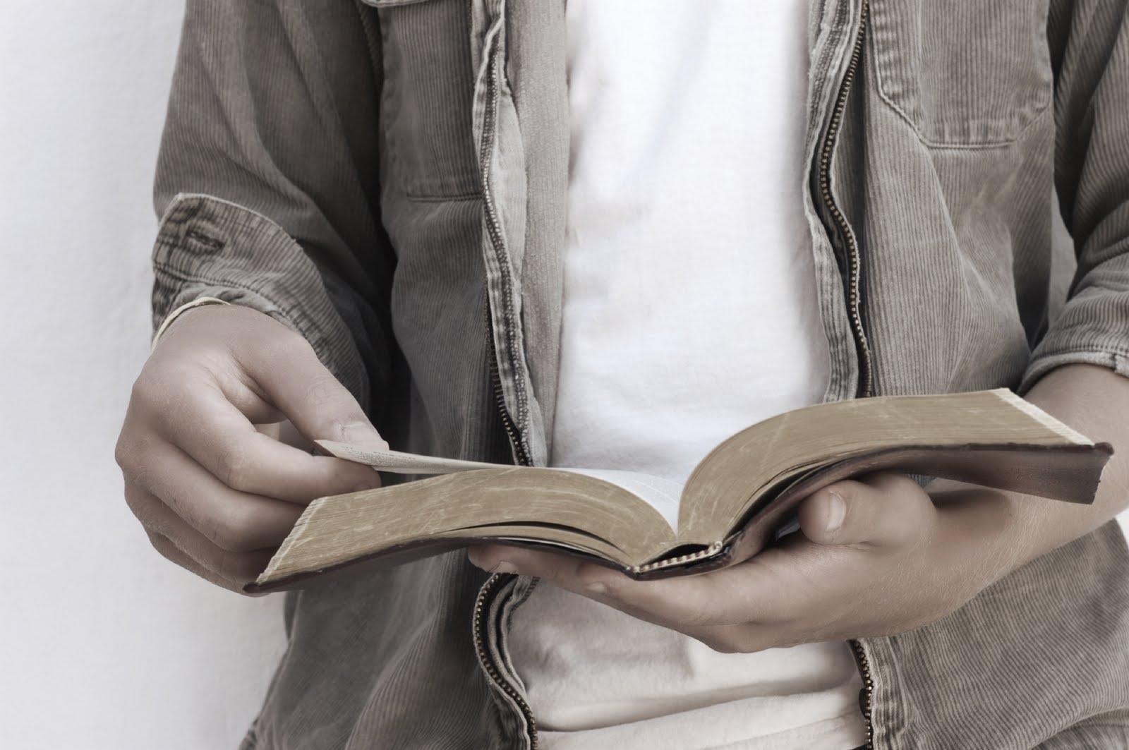Como ler a Biblia em um ano