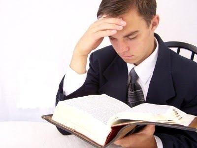 lendo-biblia-inteira